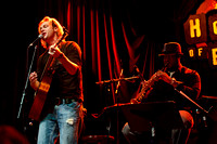 Bronson Arroyo plays Hot Stove Cool Music